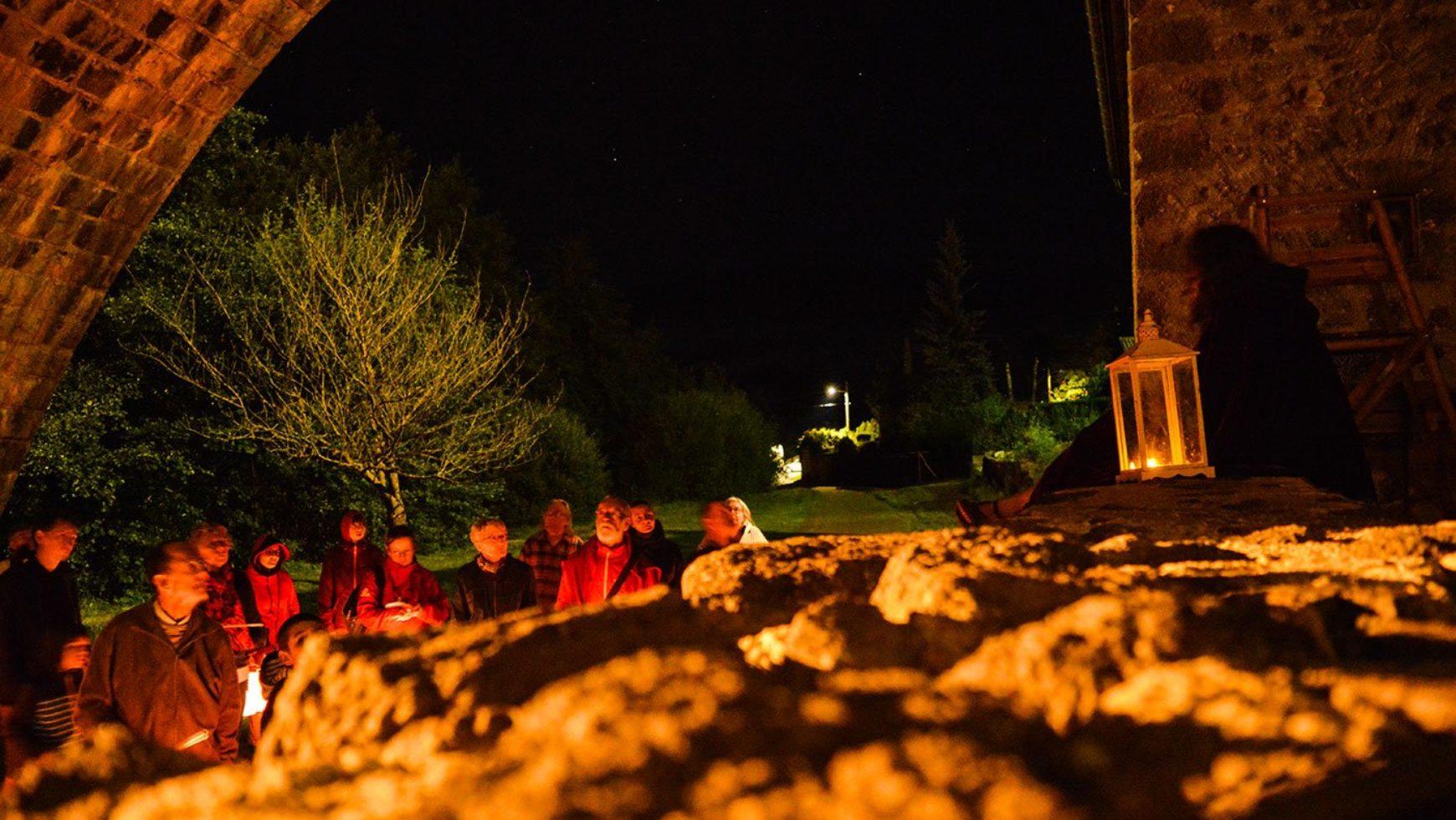 Visite guidée du vieil Allanche aux lampions – 4 août 2020 à 21h